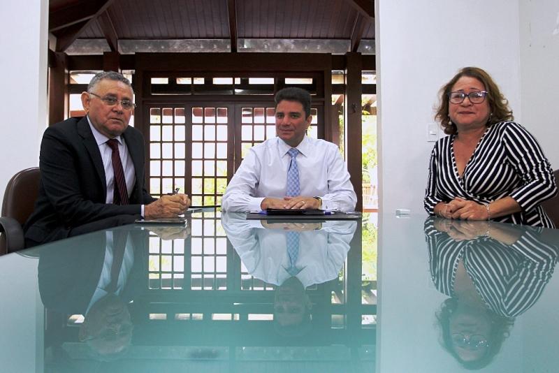 Governador Gladson Cameli se reúne com a presidência do TJAC