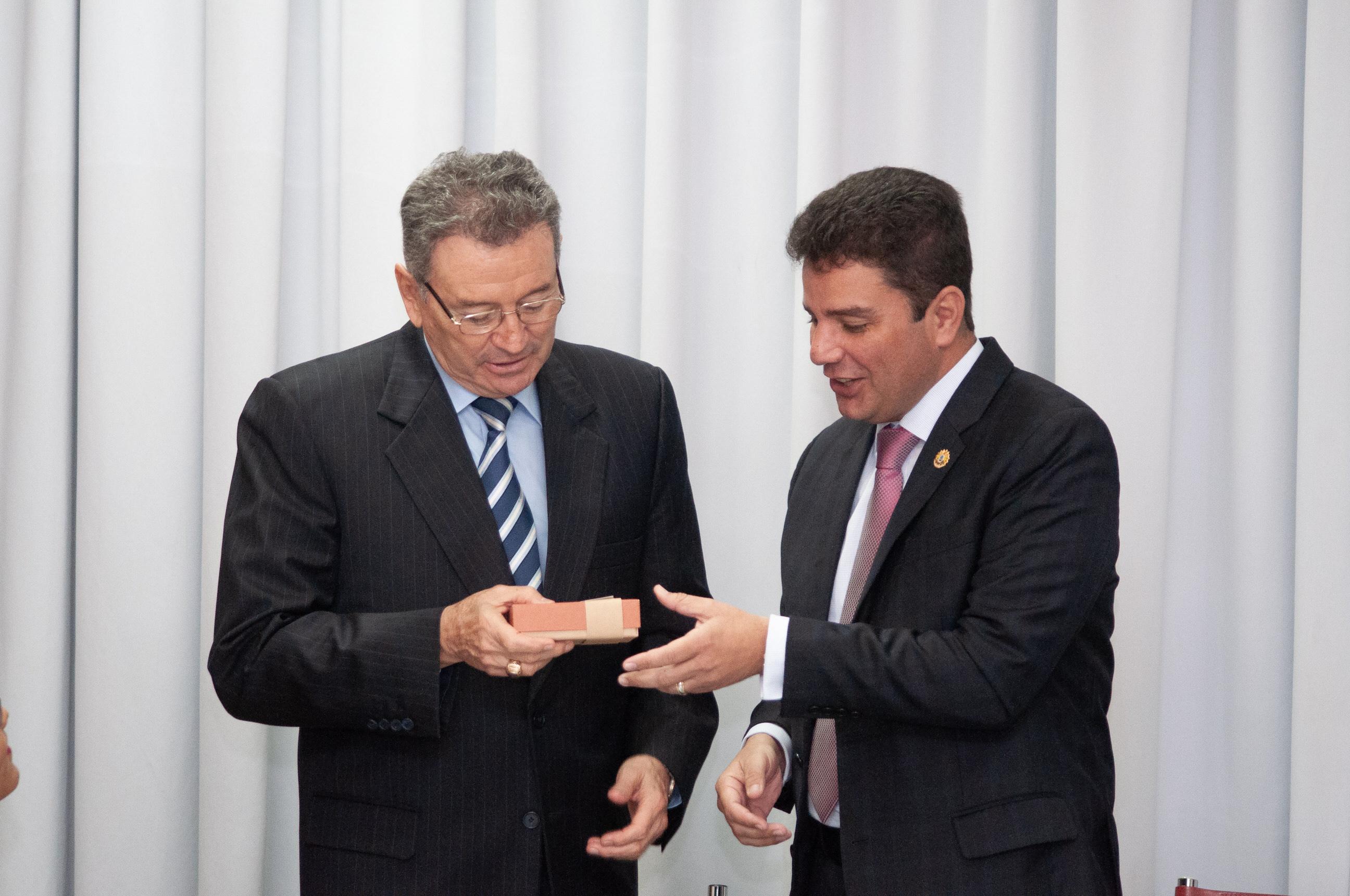 Integração entre Acre e Peru é tema de encontro com governador