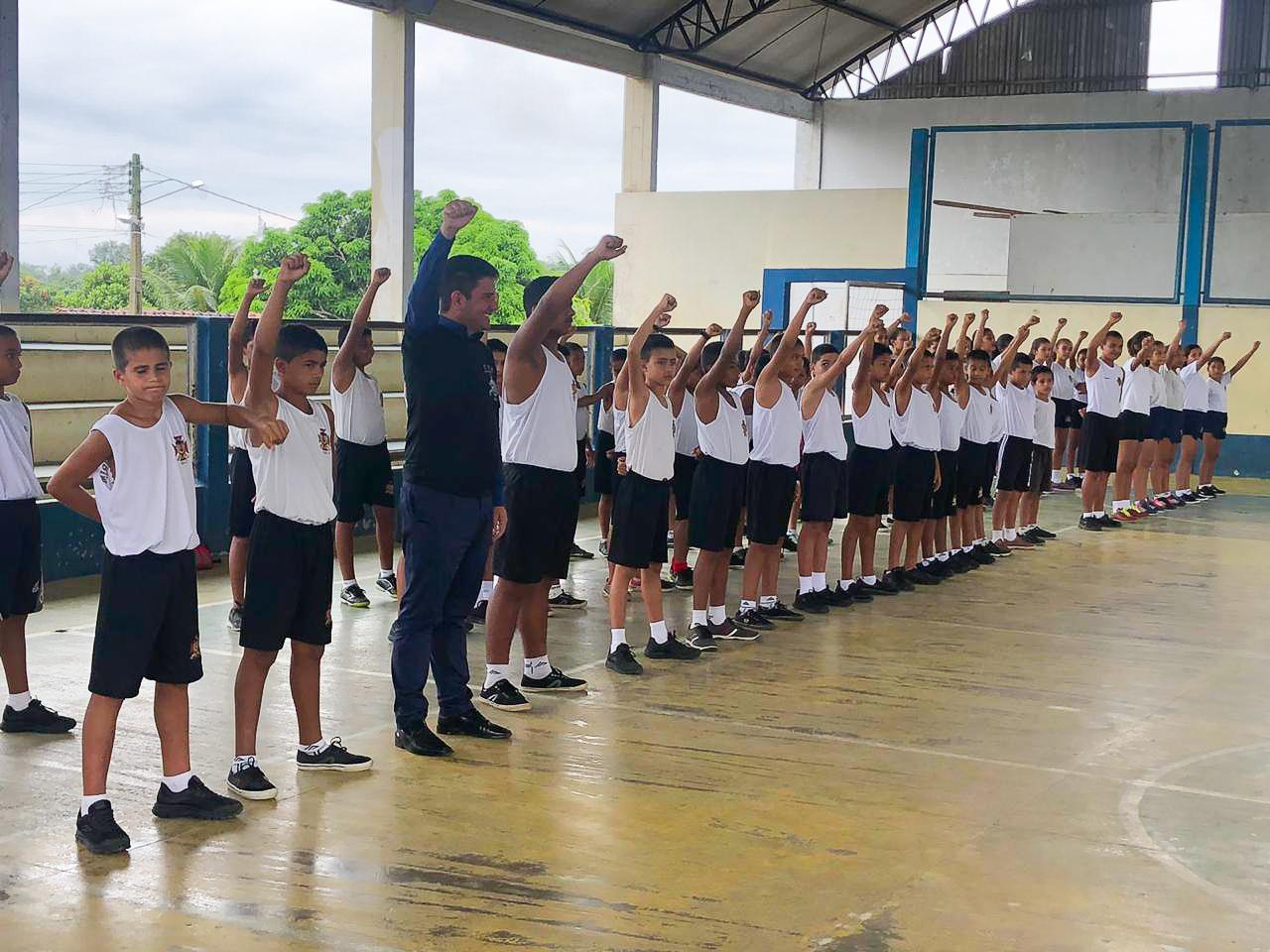 Governador Gladson Cameli visita projeto da Guarda Mirim em Cruzeiro do Sul