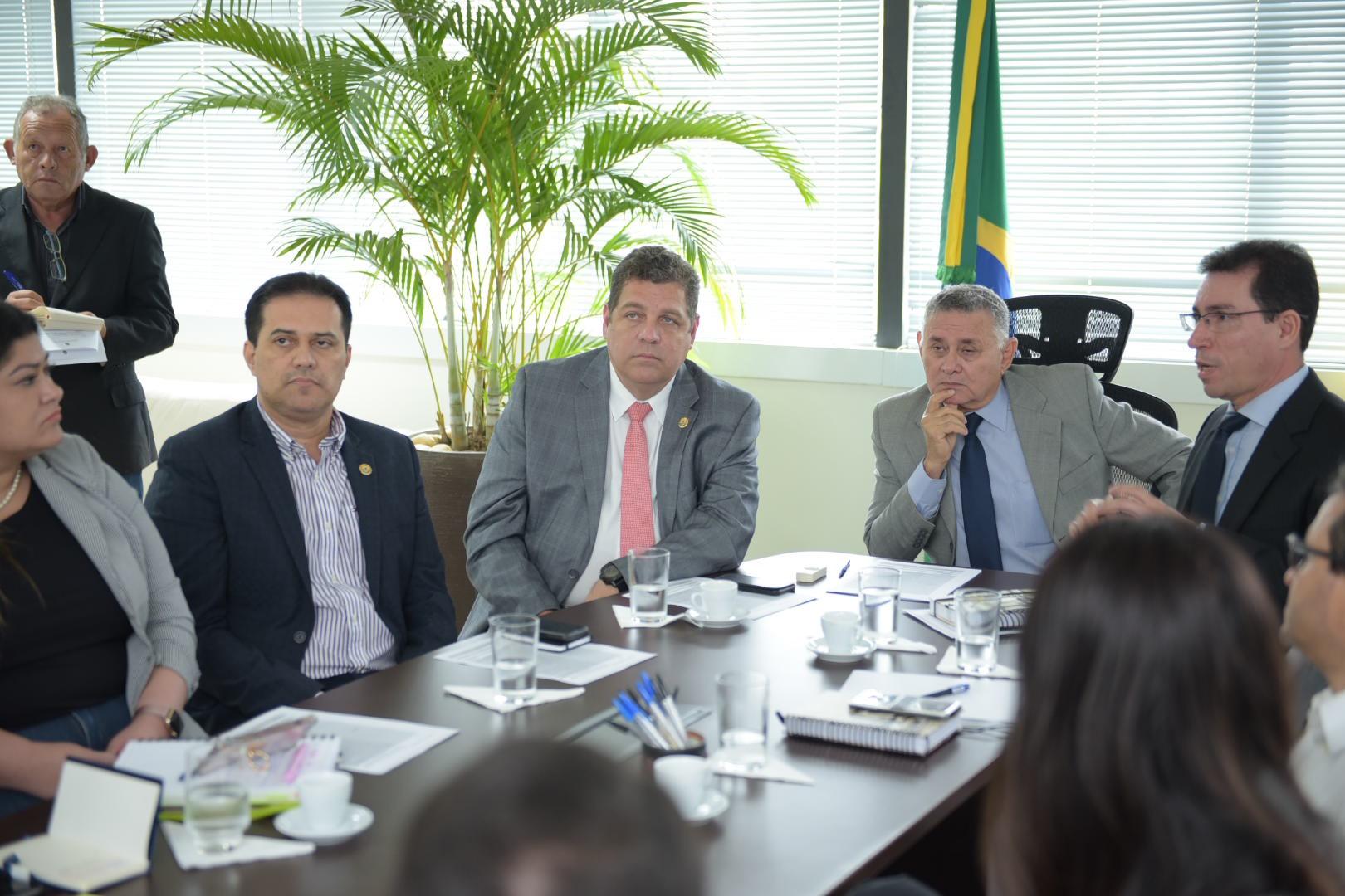 Governo e Tribunal de Justiça discutem projeto de instalação de sistema de videoconferência