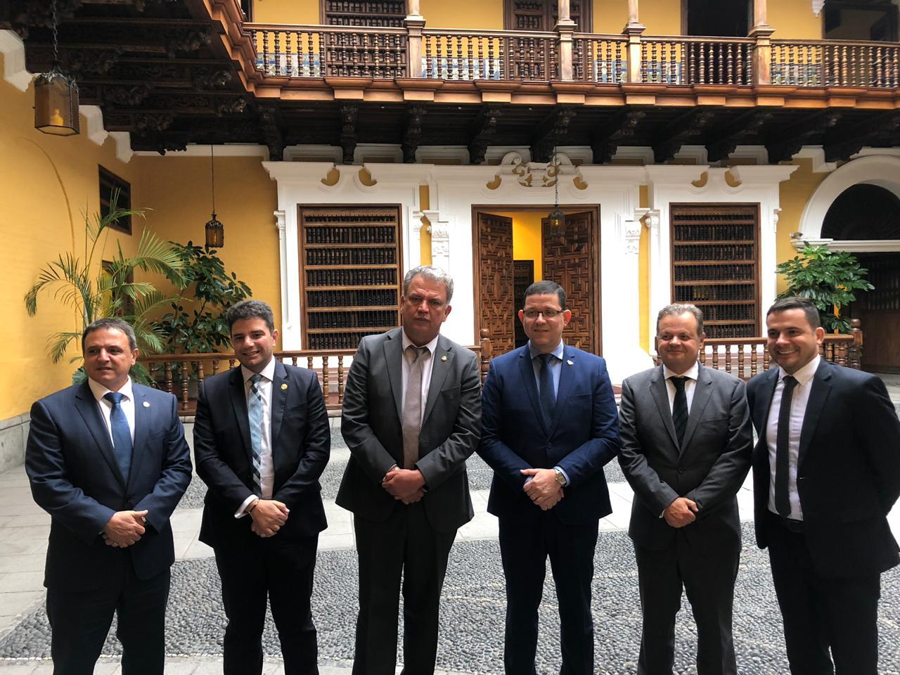 Gladson Cameli vai a Lima selar acordo com governo peruano para exportação e importação