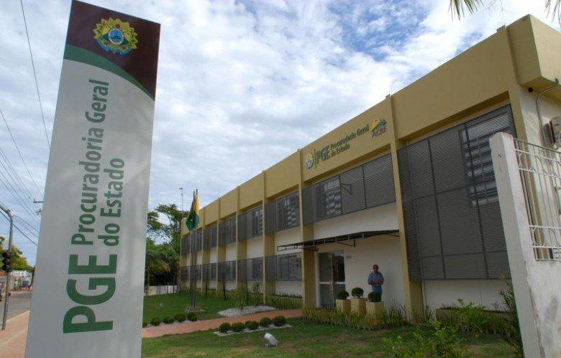 PGE emite orientações sobre licitações, contratos e contratação de pessoal durante pandemia