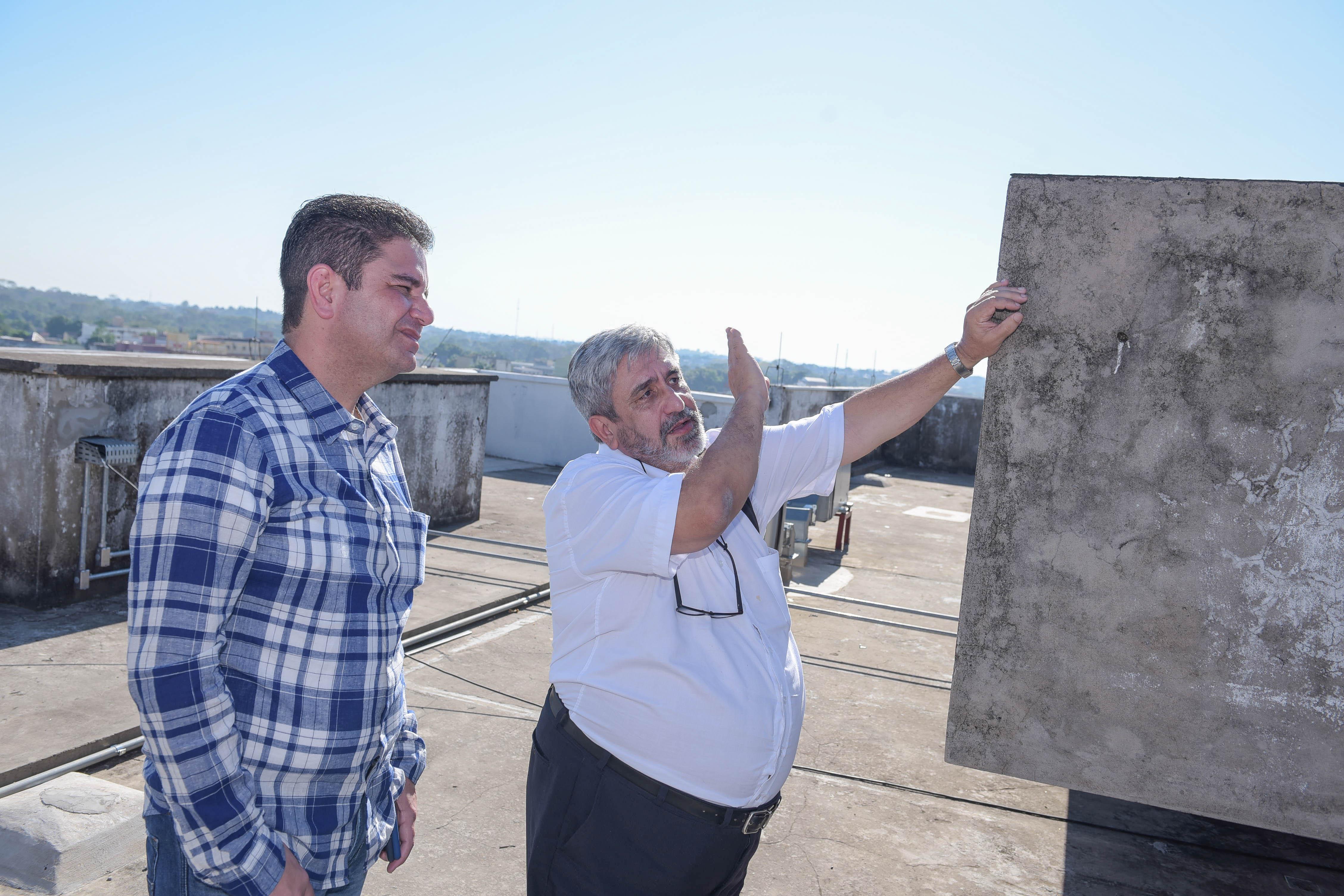Gladson Cameli visita obras de ampliação do Pronto Socorro e garante entrega ainda este ano