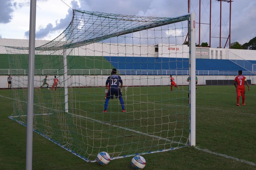 Plácido de Castro vence pelo estadual sub-20 de futebol