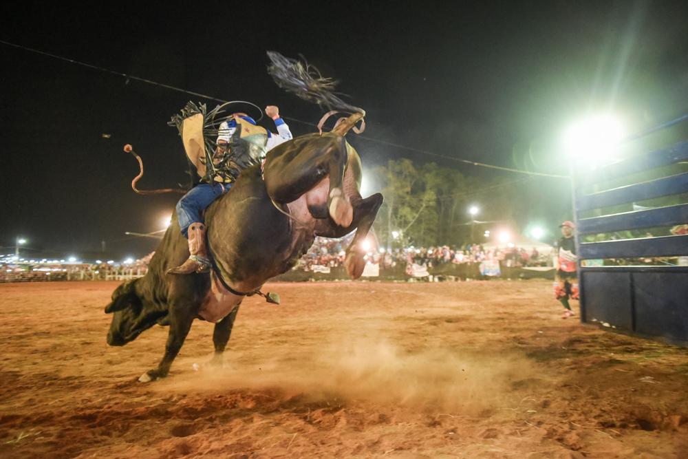 Campeão do rodeio da Expoacre elogia alto nível de competição e já disputa título em Rondônia