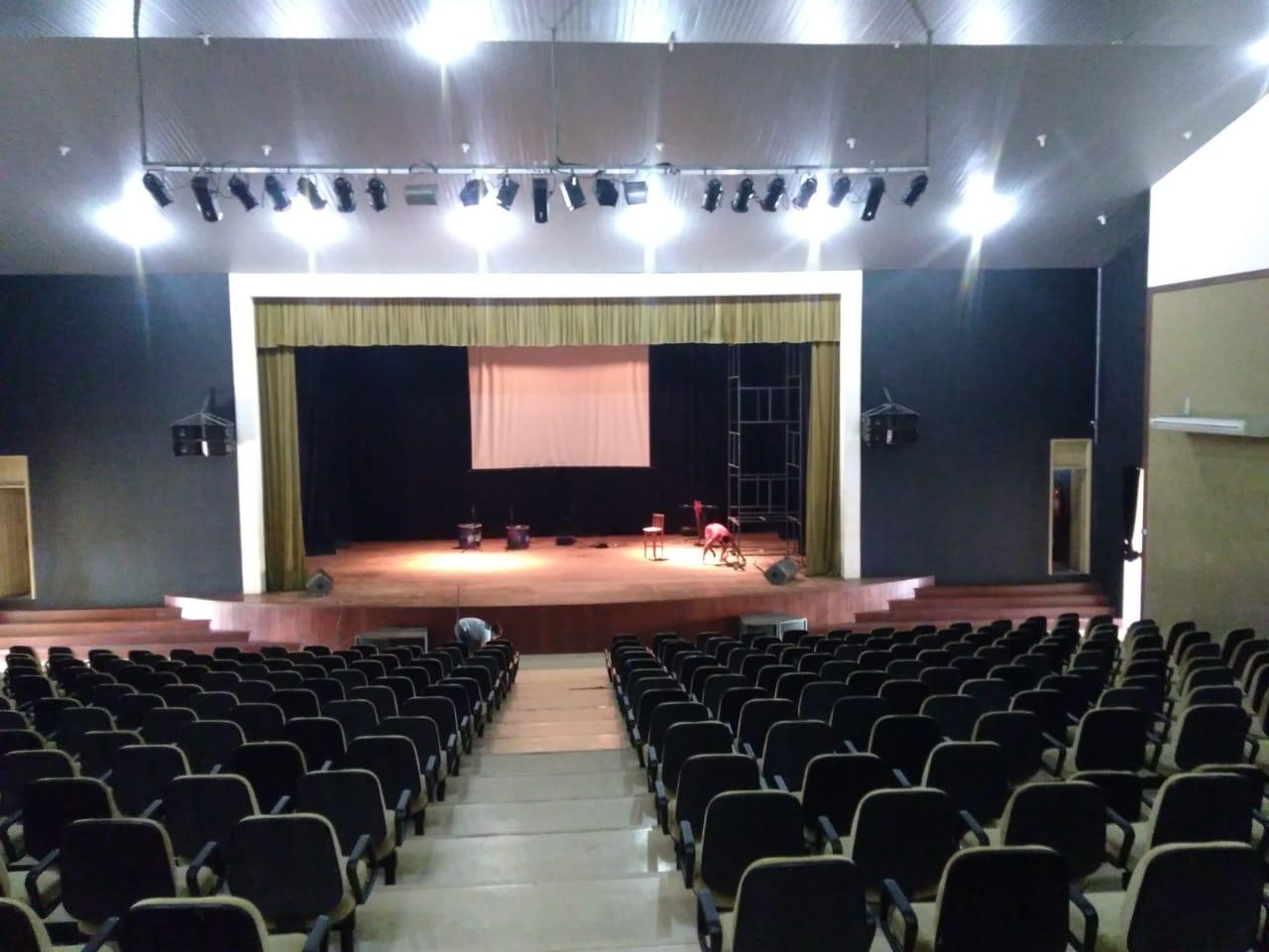 Teatro dos Náuas recebe serviços de manutenções e reparos