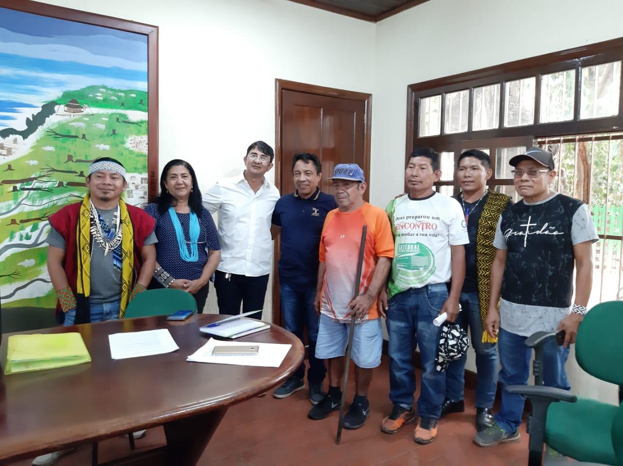 Estado se reúne com liderança Kaxinawá para discutir políticas públicas