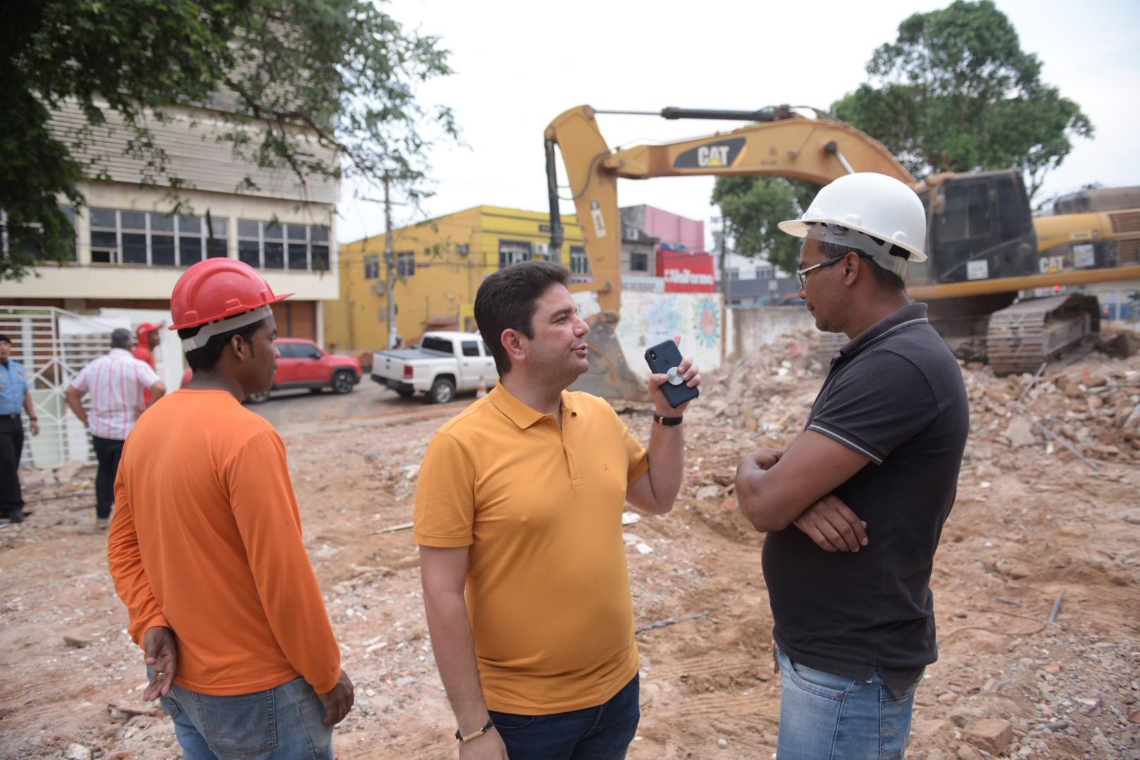 Gladson vistoria segunda fase de obras do Pronto Socorro de Rio Branco