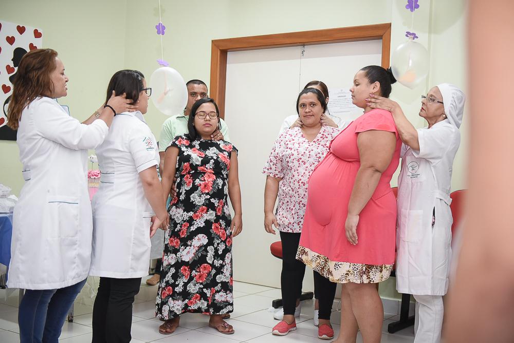 Gestantes recebem dicas de cuidados com recém-nascidos na Maternidade Bárbara Heliodora