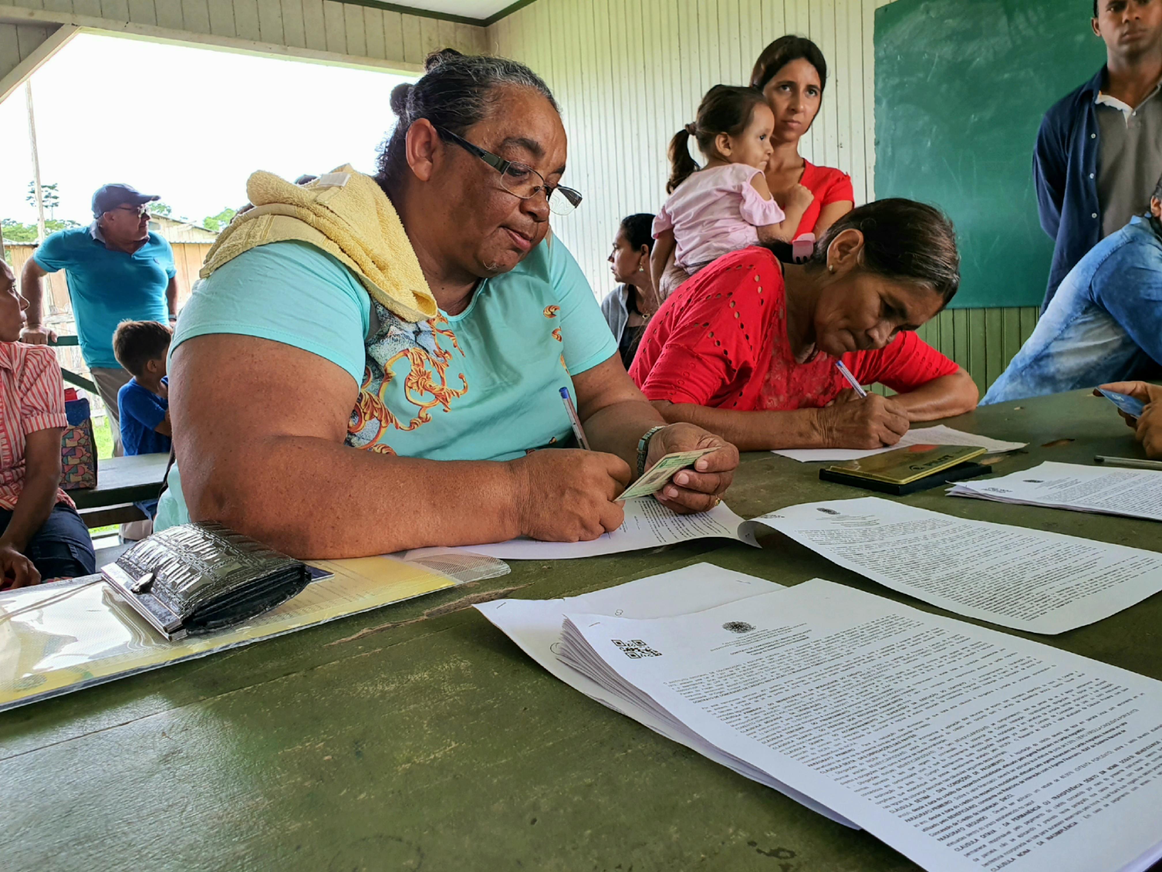 Governo e Incra levam crédito rural a famílias produtoras de Manoel Urbano