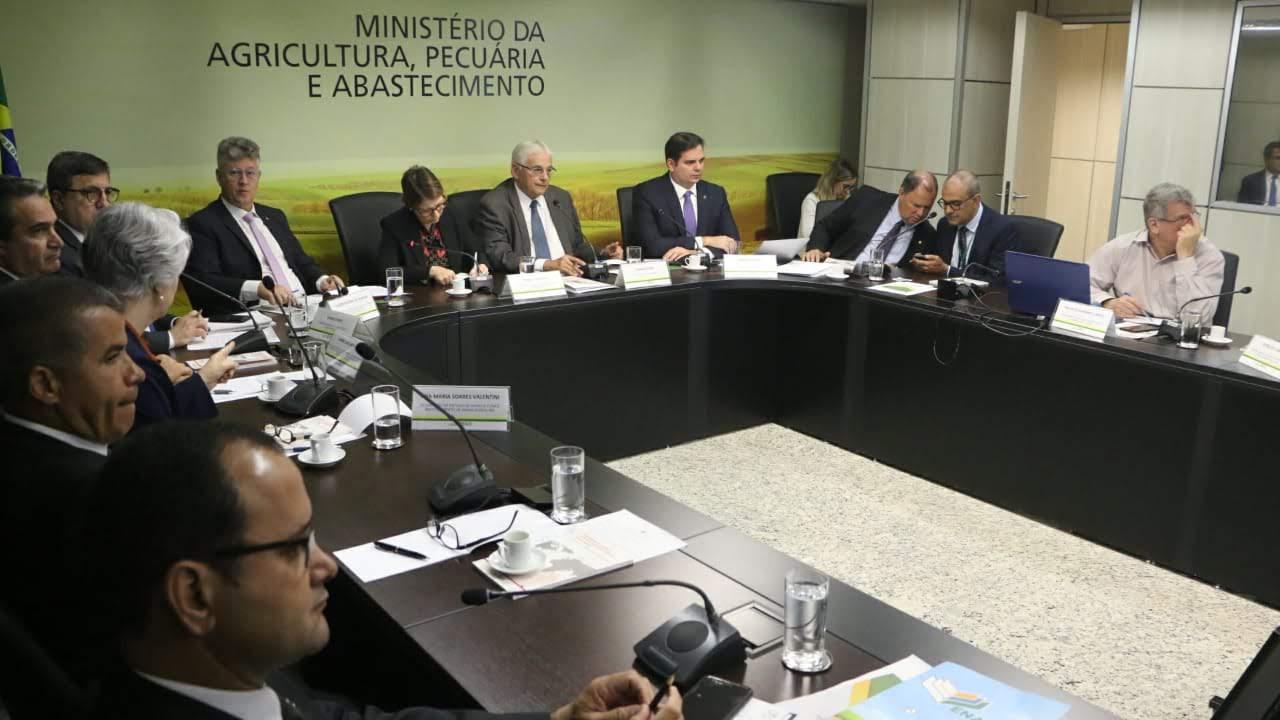 Encontro em Brasília destaca avanços no crédito rural e proteção da suinocultura do Acre