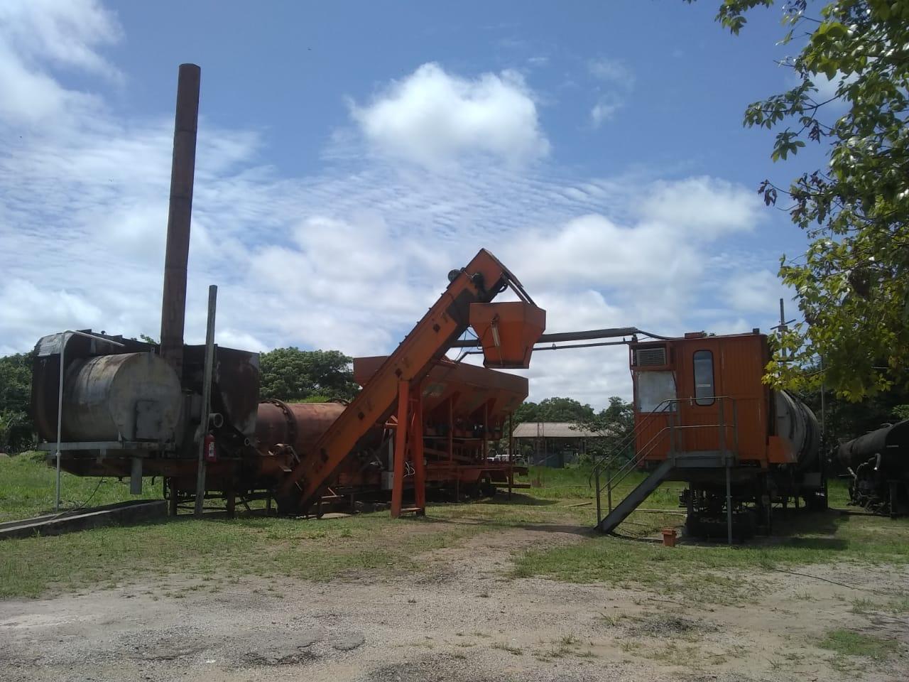 Deracre coloca em funcionamento usina de asfalto