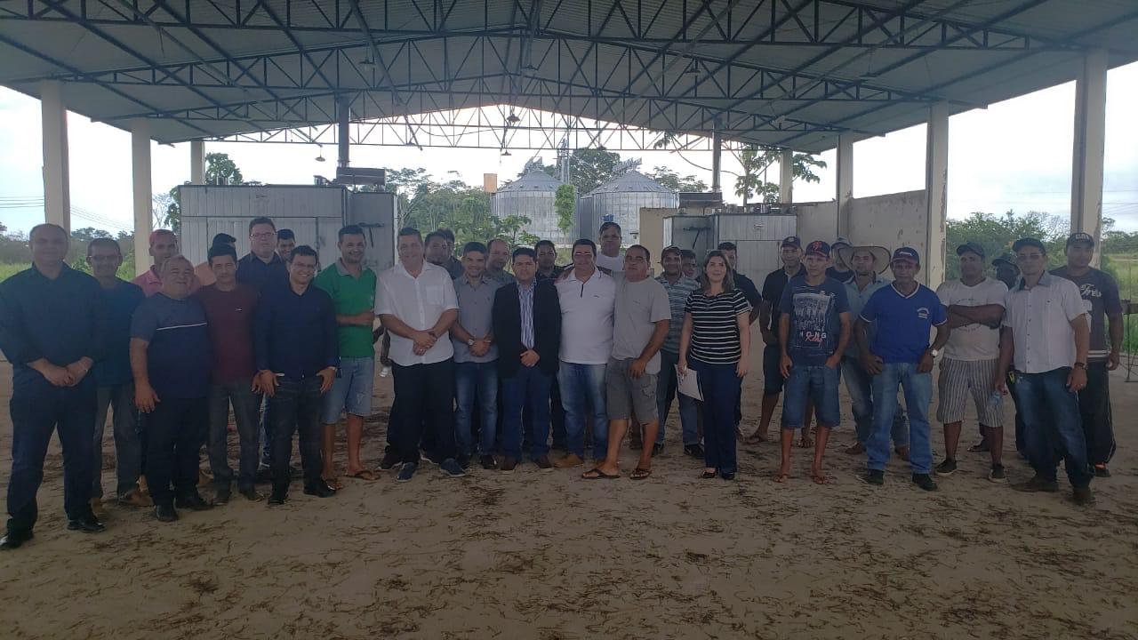 Governo reúne madeireiros do estado para garantir melhorias para a categoria