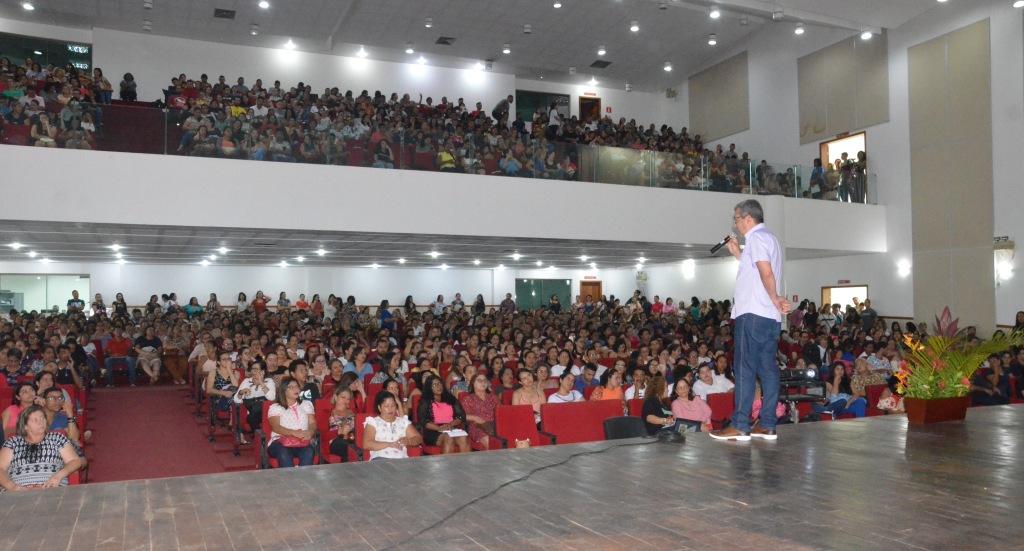 Ciclo de palestras reúne profissionais da educação especial