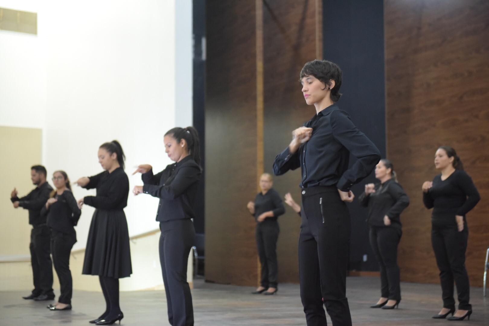 Educação do Estado promove seminário bilíngue para surdos