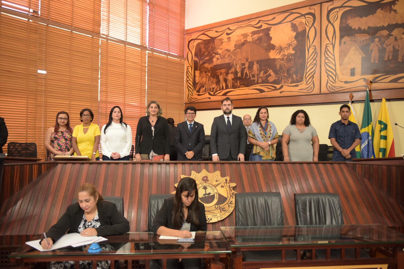 Sessão solene ressalta o Dia da Consciência Negra e o fim da violência contra a mulher