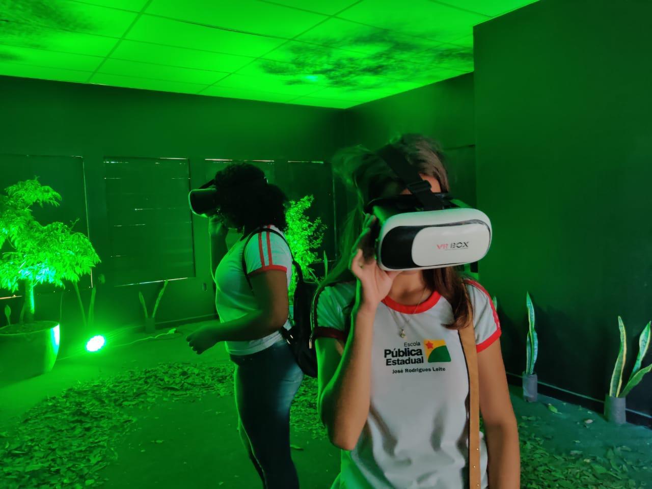 Espaço Realidade Virtual reúne mais de 5 mil visitantes na Semana de Ciência e Tecnologia