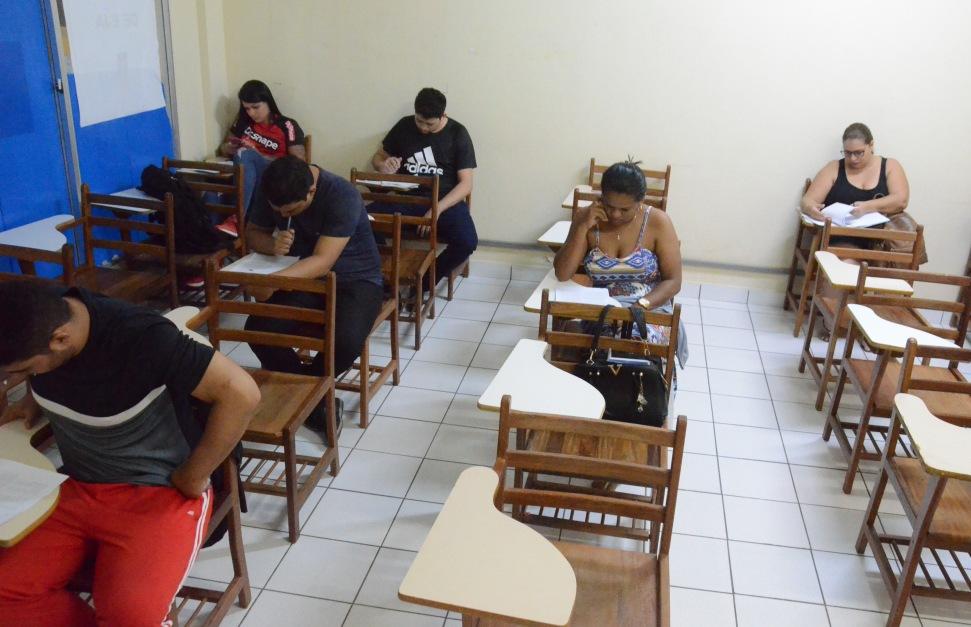Aulões preparam alunos para o exame de certificação do ensino médio