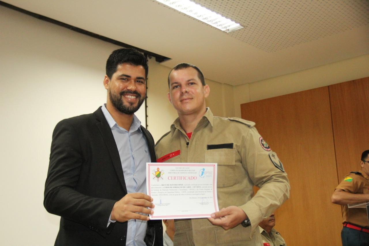 Governo certifica bombeiros aprovados em Curso de Formação