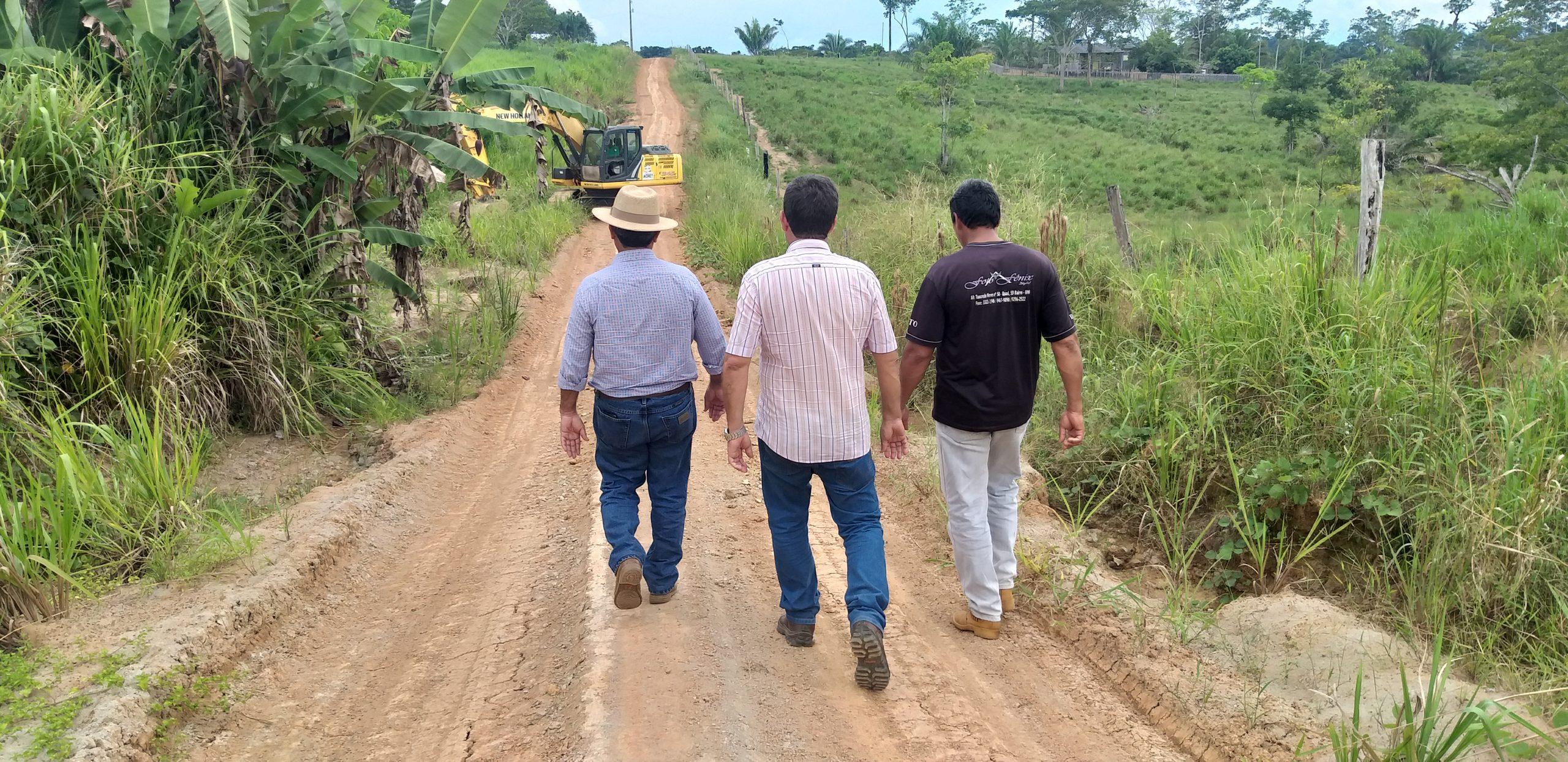Governo garante escoamento da produção rural de Acrelândia, com a recuperação de ramal