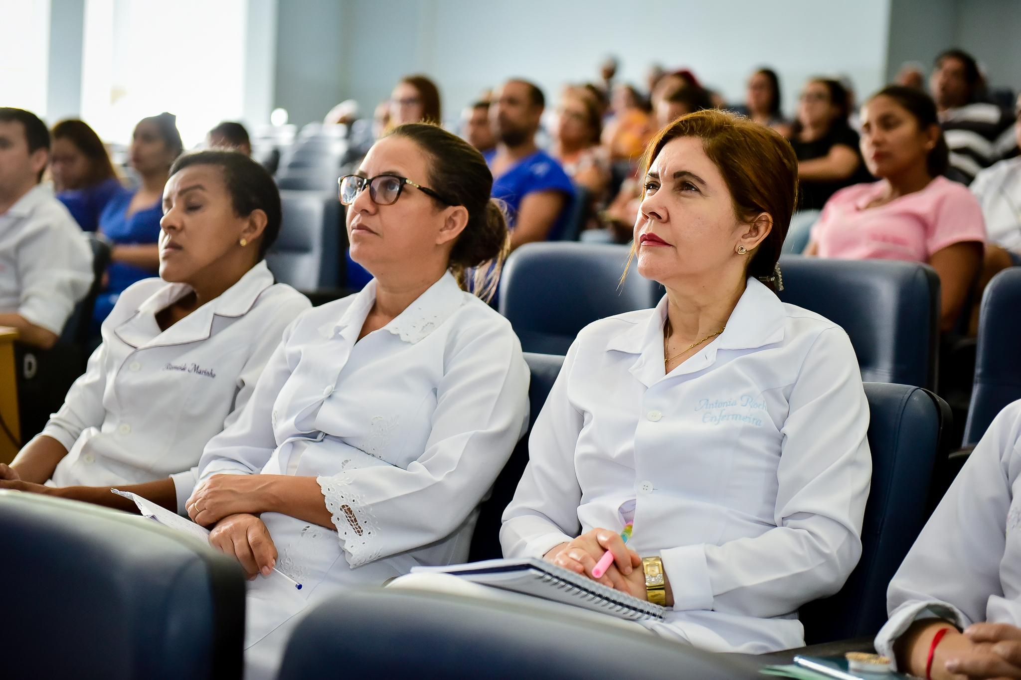 Profissionais da Fundhacre recebem treinamento para atender casos suspeitos do novo coronavírus