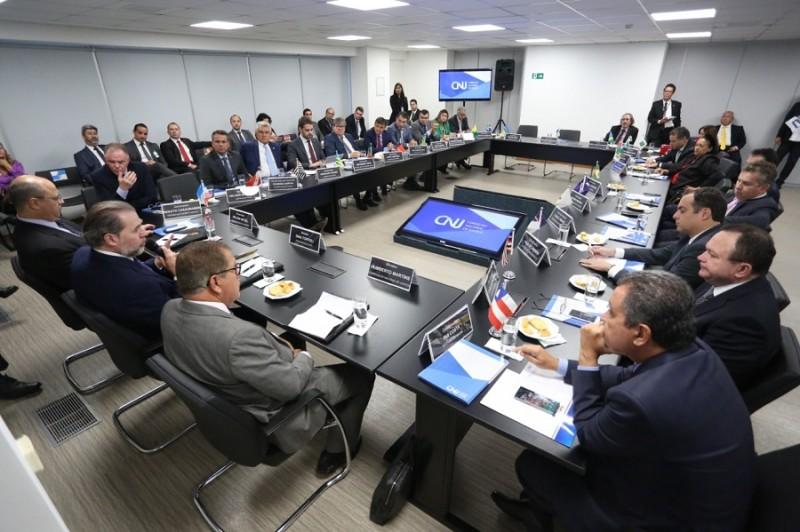 Acre participa de audiência sobre divisão dos royalties do petróleo