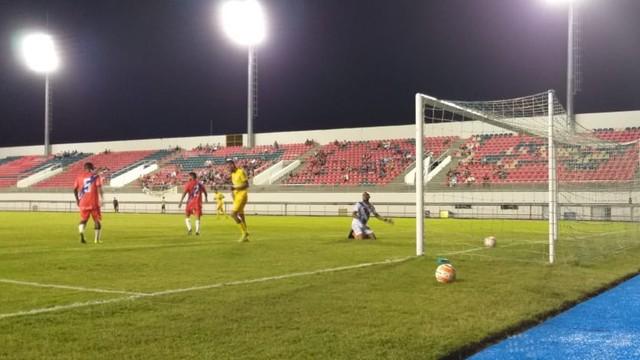 Galvez vence e garante classificação para as semifinais do primeiro turno