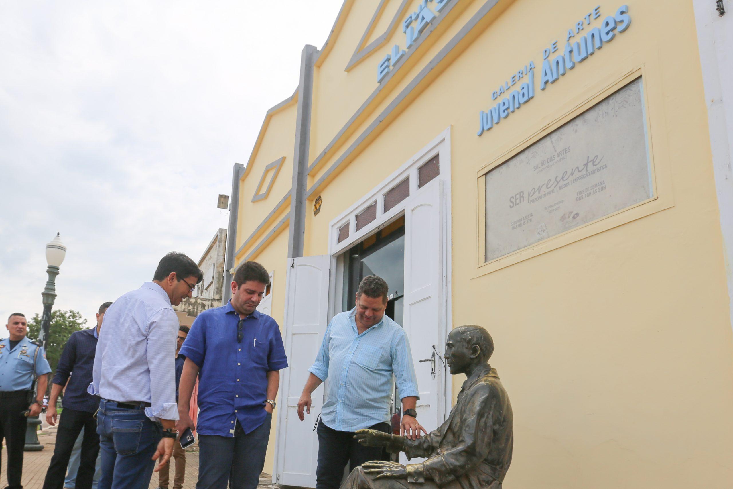 Em visita à Fundação Elias Mansour, Gladson anuncia investimentos para a cultura