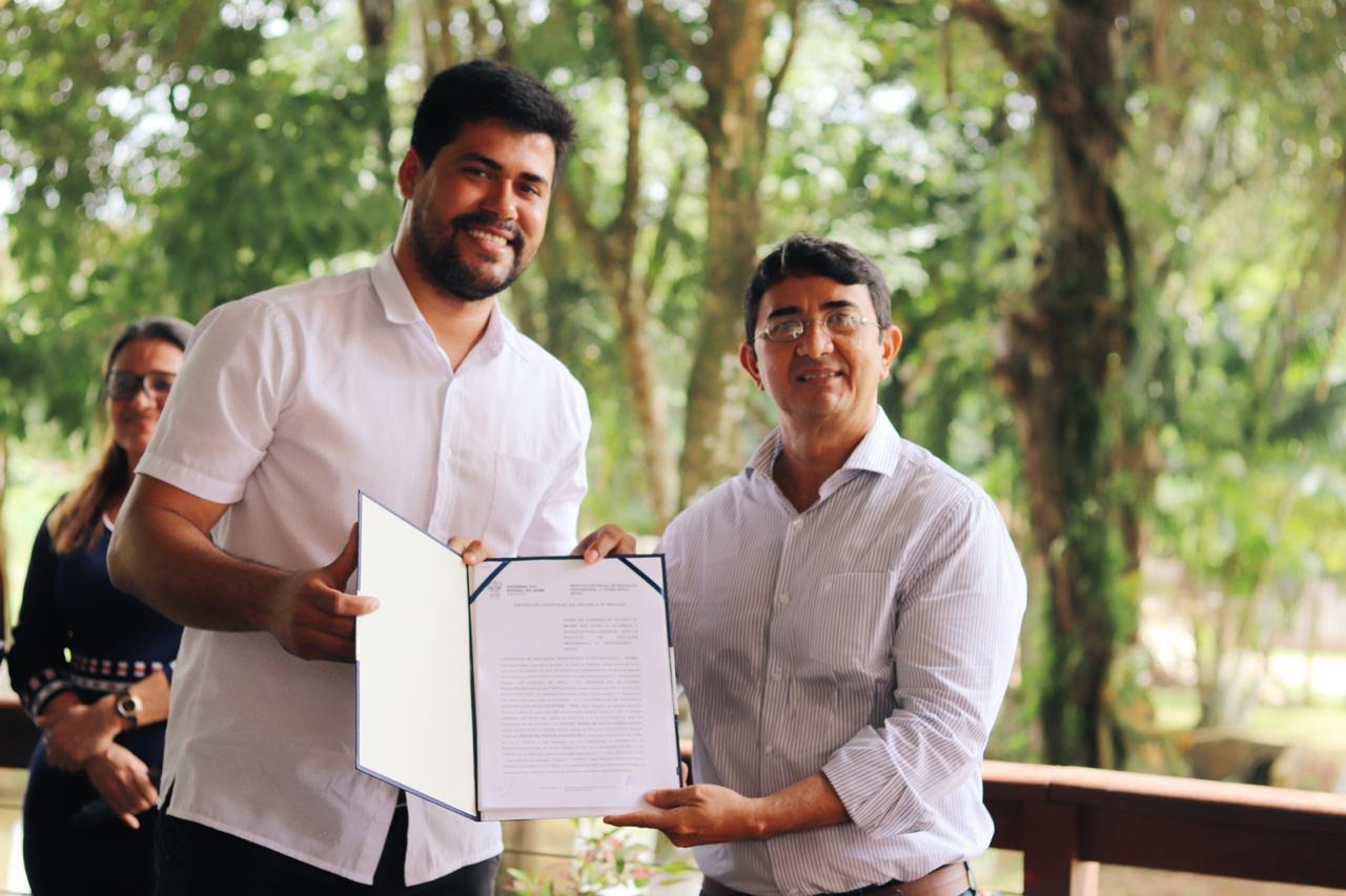 Assinatura de termo de cooperação garante políticas culturais no Acre