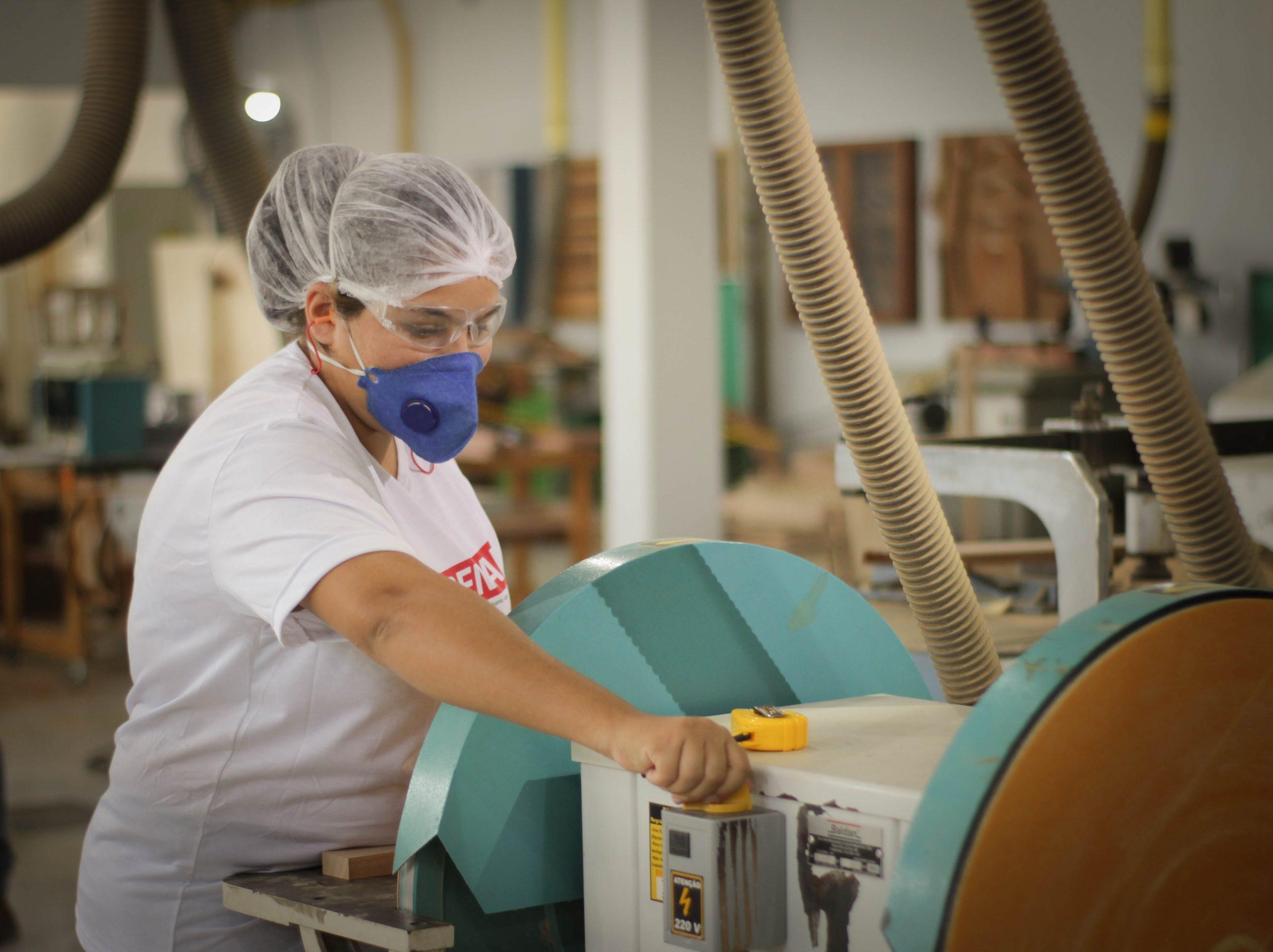 Governo e BVRio iniciam parceria para profissionalizar jovens artesãos de Acrelândia