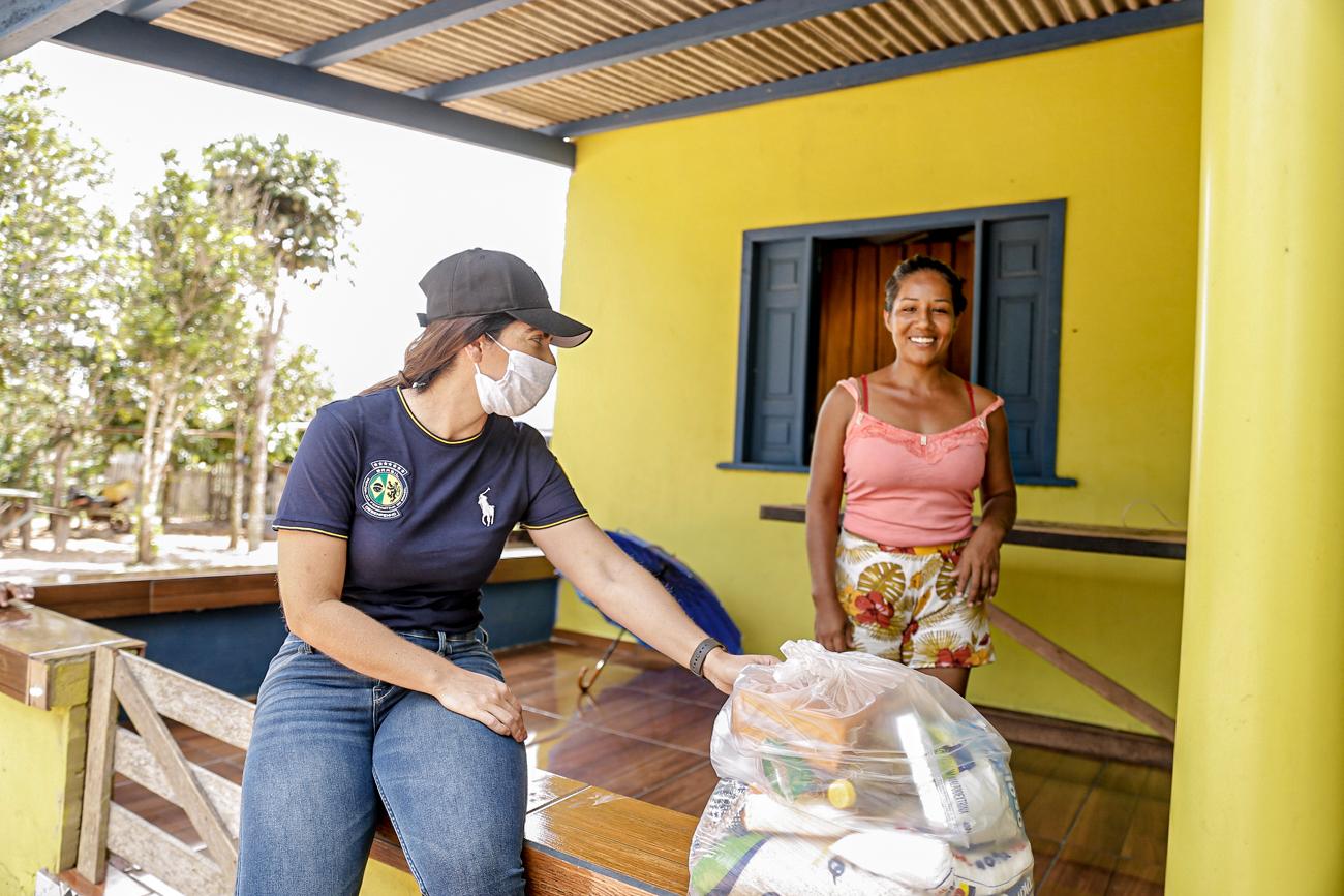 Afetados por distanciamento social, moradores do ramal Cassirian recebem ajuda humanitária