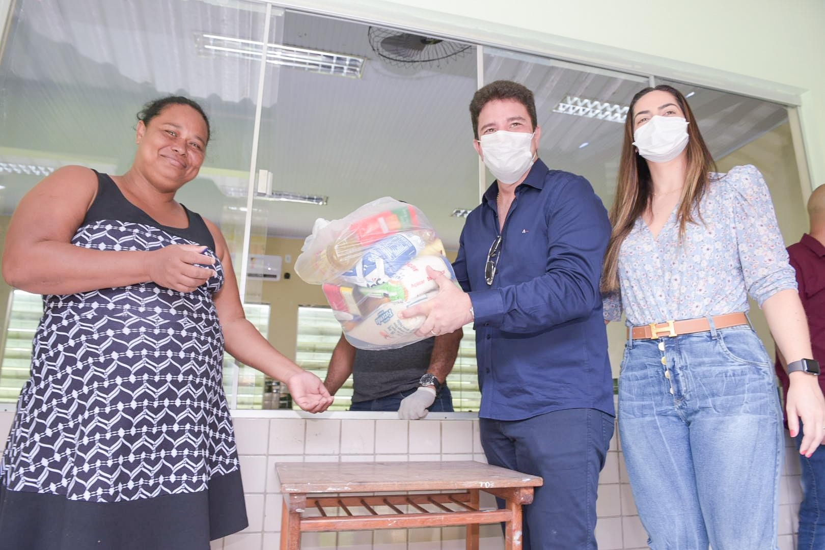 População agradece ao governo por distribuição de cestas básicas