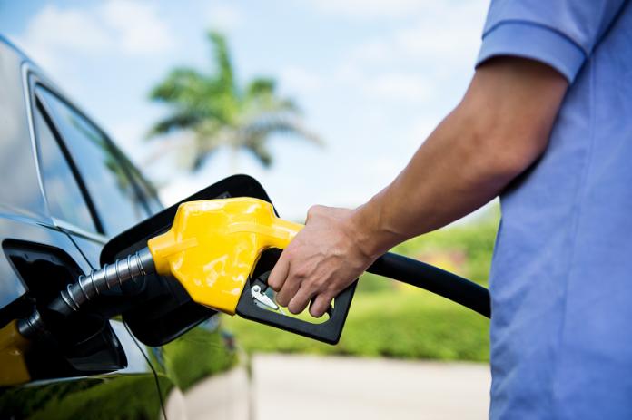 Procon notifica 52 postos de combustíveis da capital para atestar redução de preços