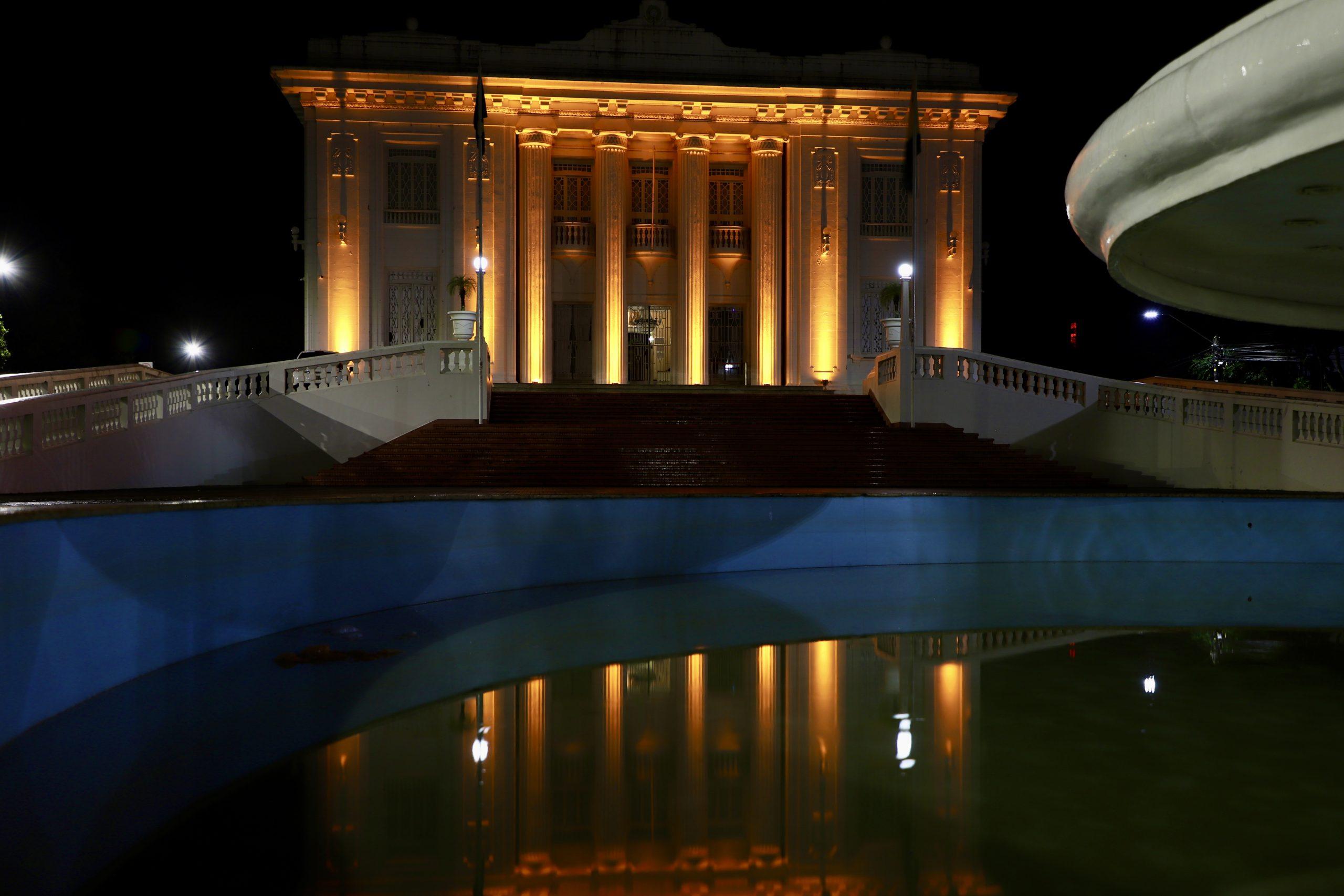 Em alusão ao Maio Laranja, Palácio Rio Branco recebe nova iluminação