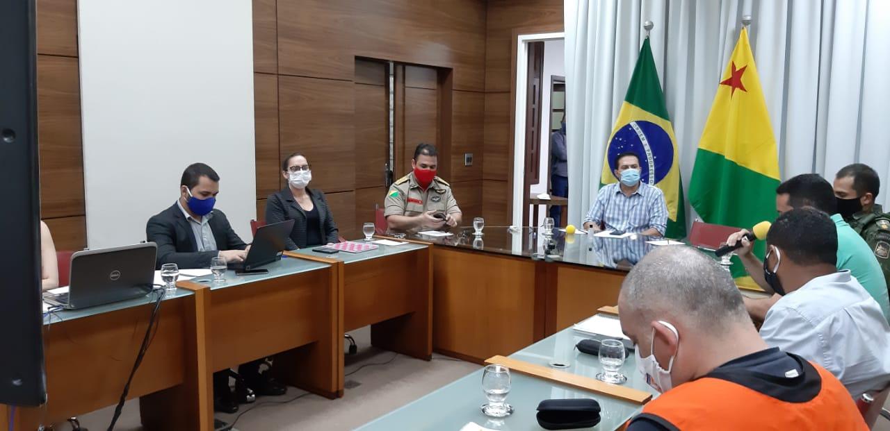 Governo e Prefeitura de Rio Branco definem ações conjuntas contra queimadas urbanas
