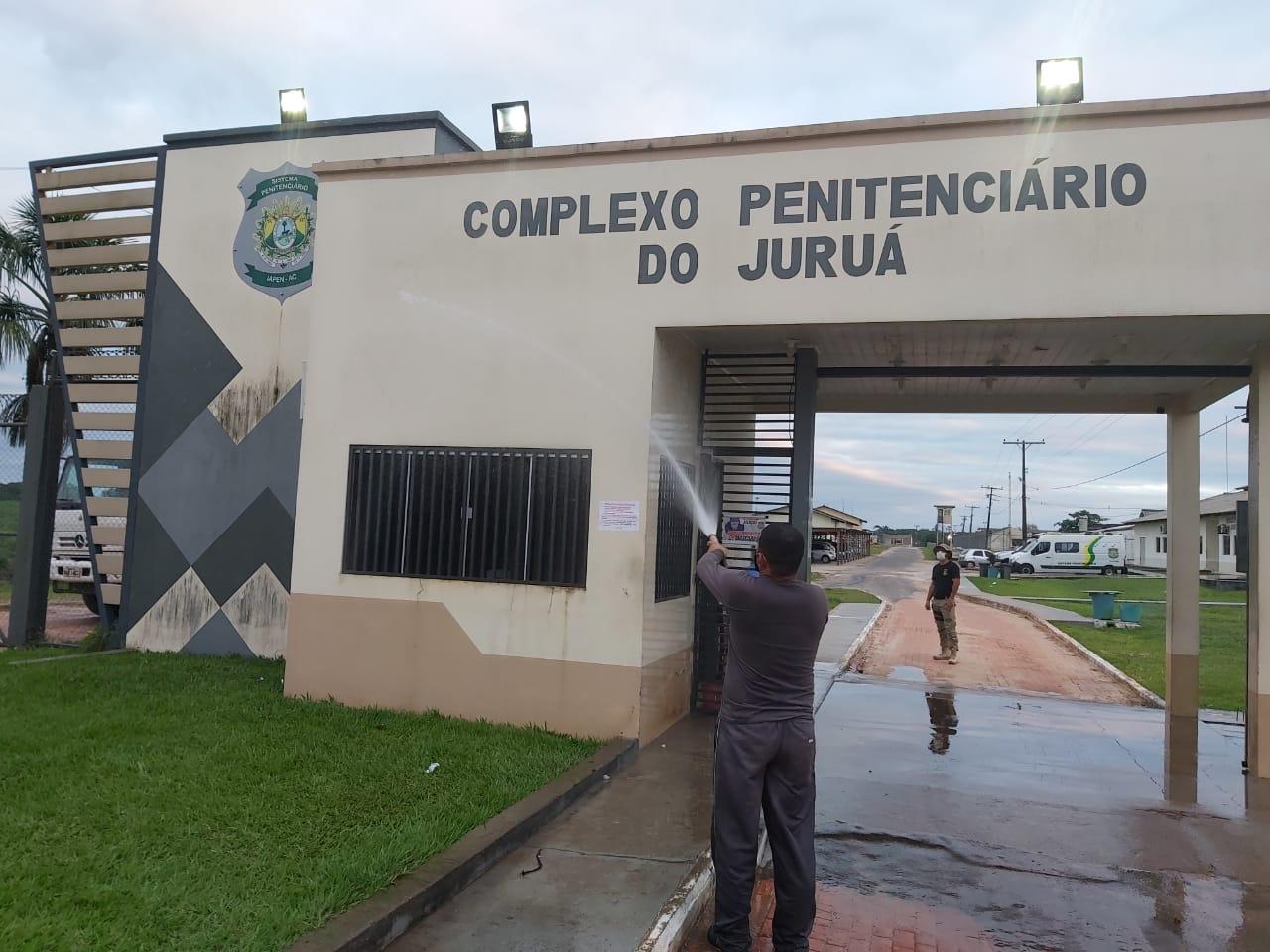 Com apoio do Depasa, presídio de Cruzeiro do Sul passa por desinfecção contra o novo coronavírus