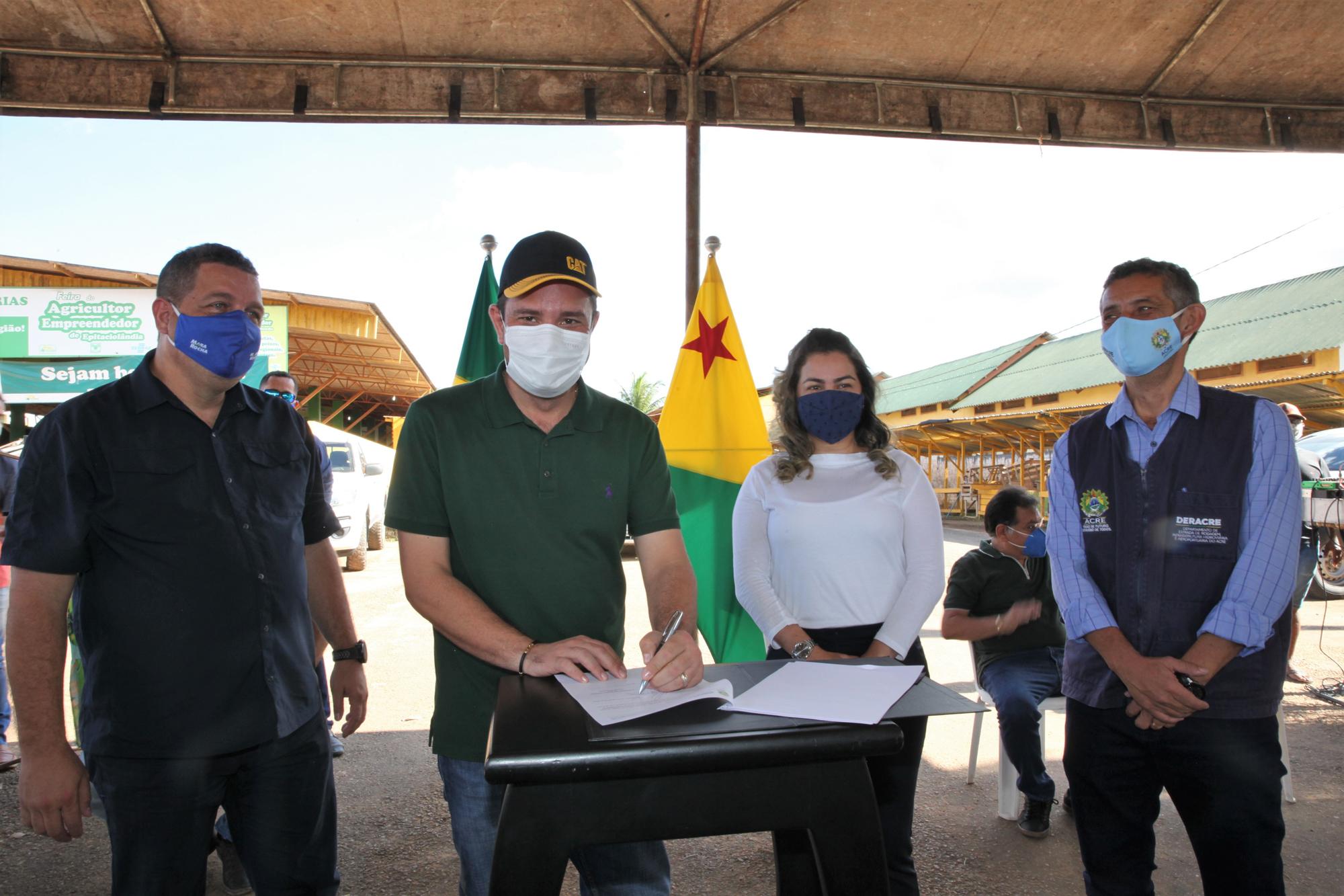 Governo assina convênio com prefeituras de Brasileia, Epitaciolândia e Xapuri para abertura e recuperação de ramais