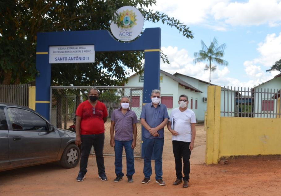 Educação planeja melhorias na Escola Santo Antônio, em Rio Branco