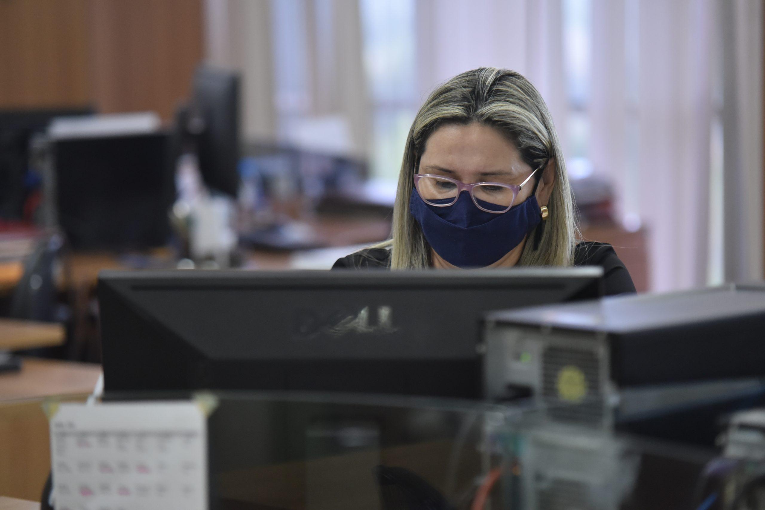 Saúde orienta municípios por meio de videoconferência semanal