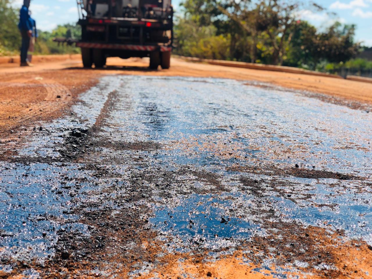 Escolas rurais de quatro municípios receberão melhorias na pavimentação