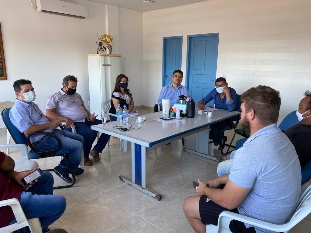 Estado realiza reunião com o setor moveleiro de Acrelândia