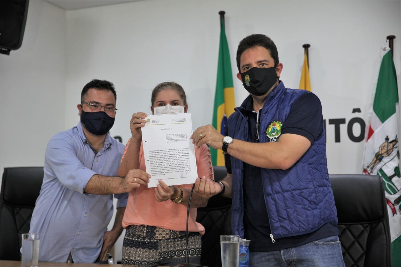 Governo investe na recuperação de 547 quilômetros de ramais em Tarauacá e Jordão