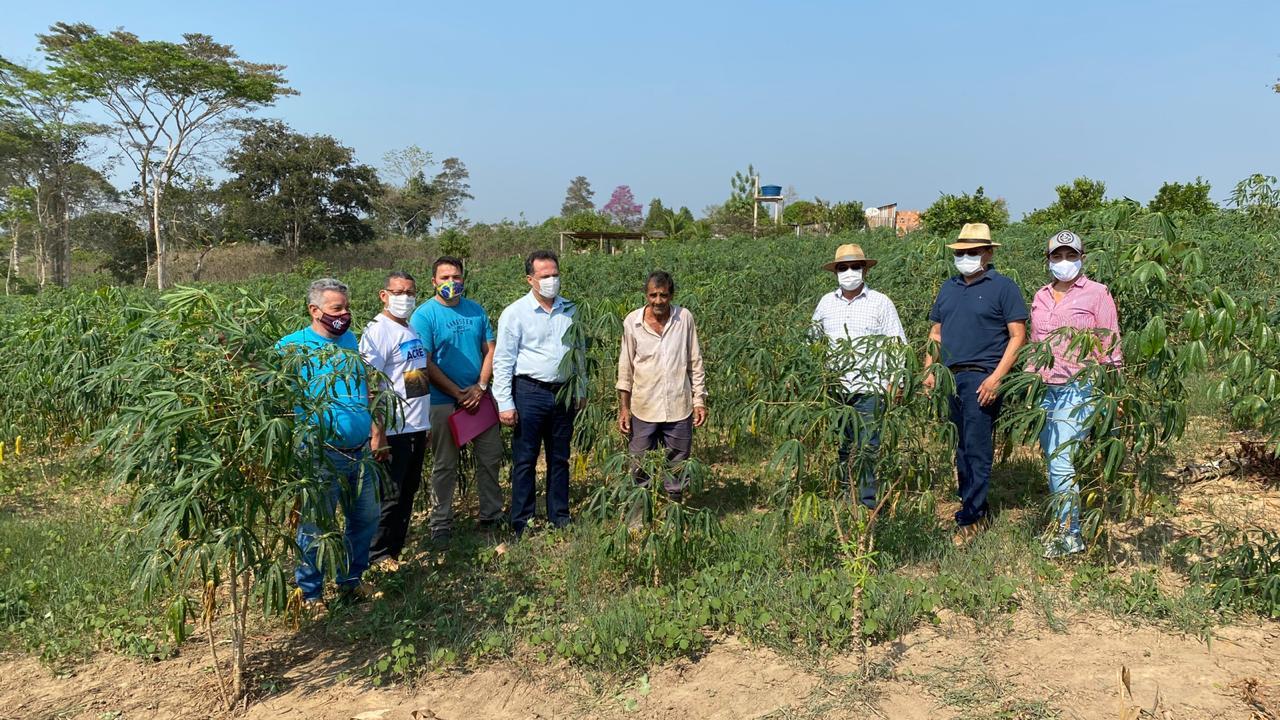 Em Epitaciolândia, governo incentiva agricultura familiar com mecanização agrícola