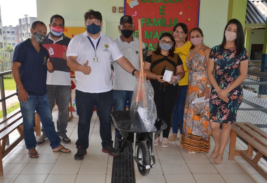 Educação realiza distribuição de kits horta para escolas de Rio Branco