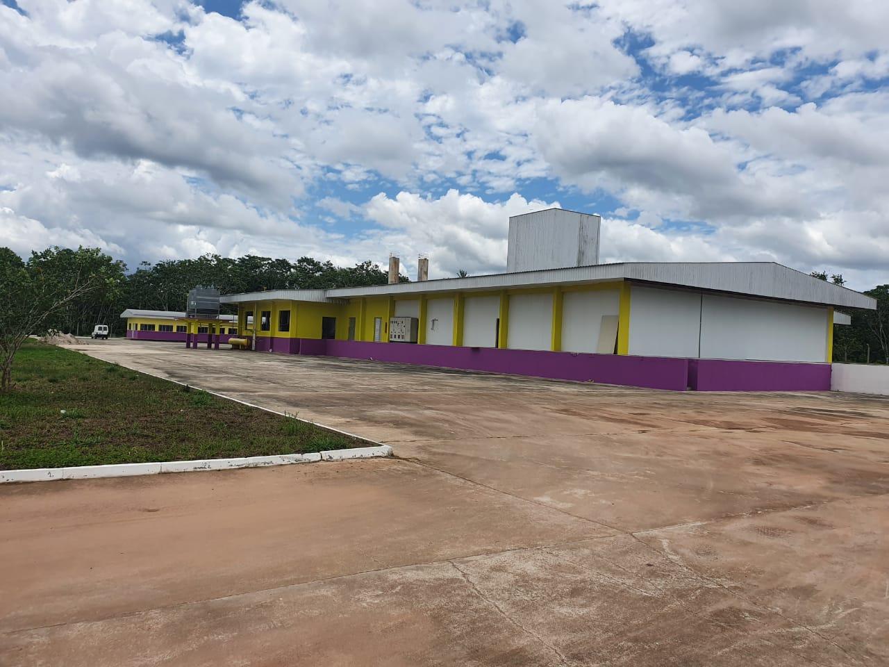 Com nova destinação, governo planeja inaugurar frigorífico em Cruzeiro do Sul