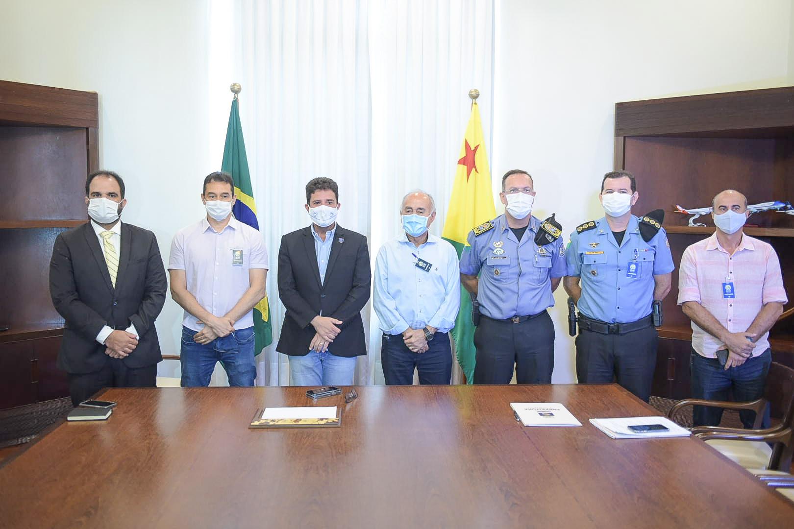 Governo e prefeitura assinam convênio para reforço da segurança em espaços de Rio Branco