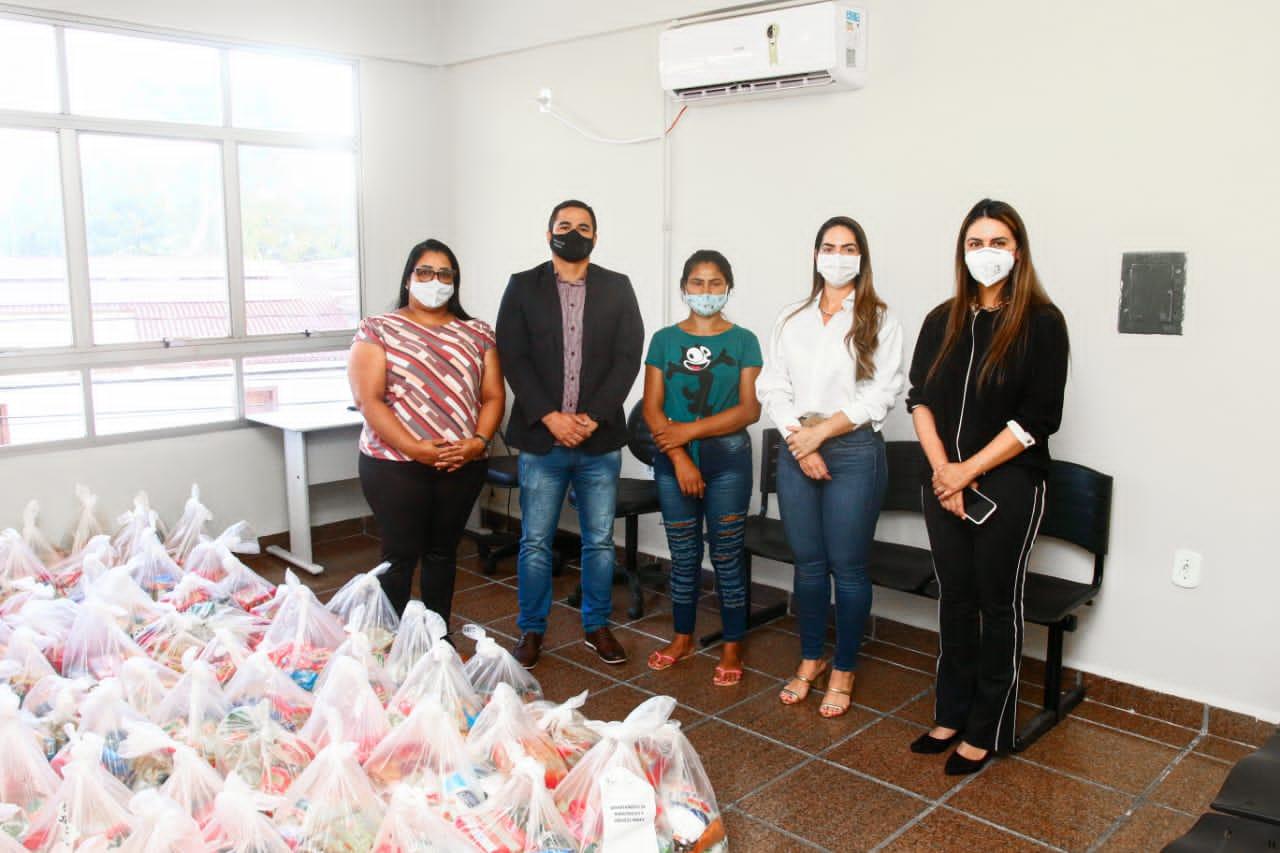 Estado entrega cestas básicas a mulheres sob medidas alternativas