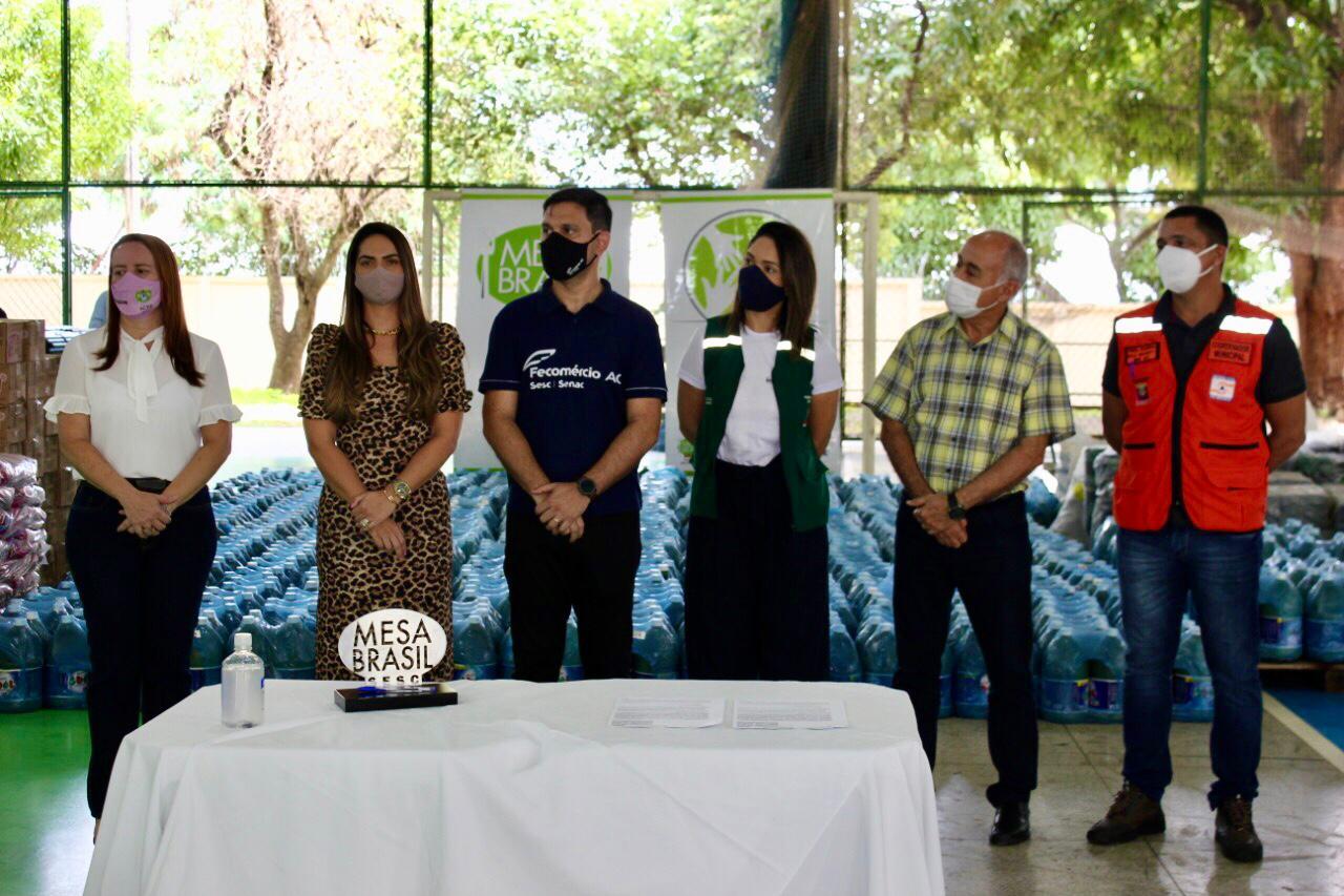 Governo e Sistema Fecomércio entregam donativos para Prefeitura de Rio Branco