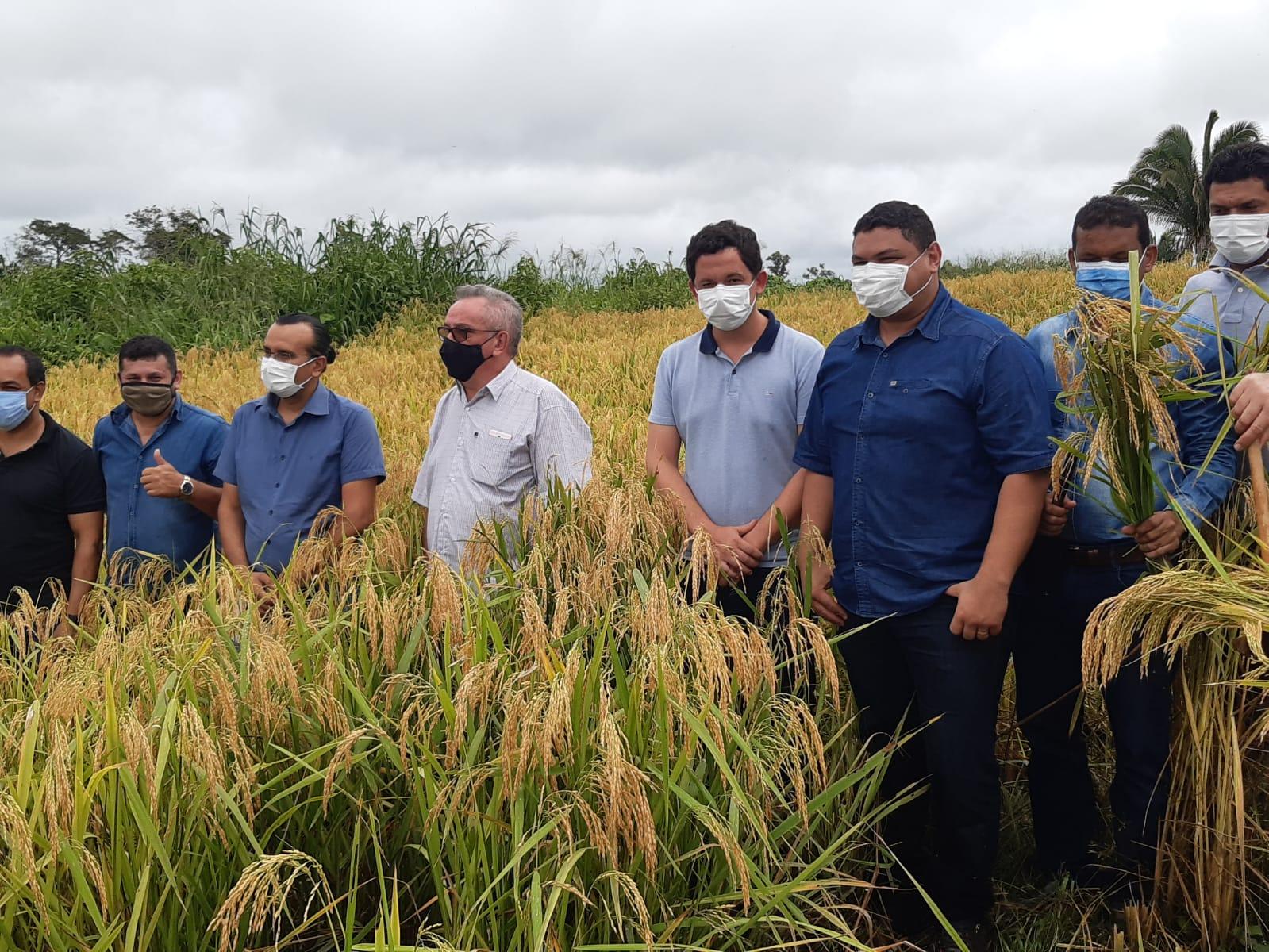 Meio Ambiente e Produção acompanham lançamento do programa de mecanização agrícola em Plácido de Castro