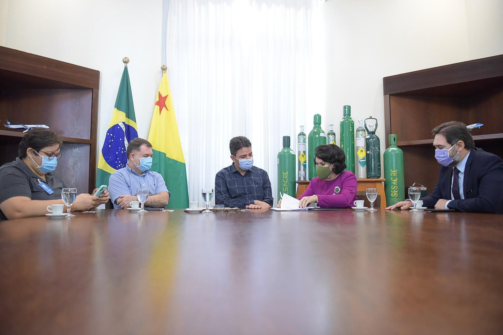 Estado recebe cilindros de oxigênio doados pelo Ministério Público
